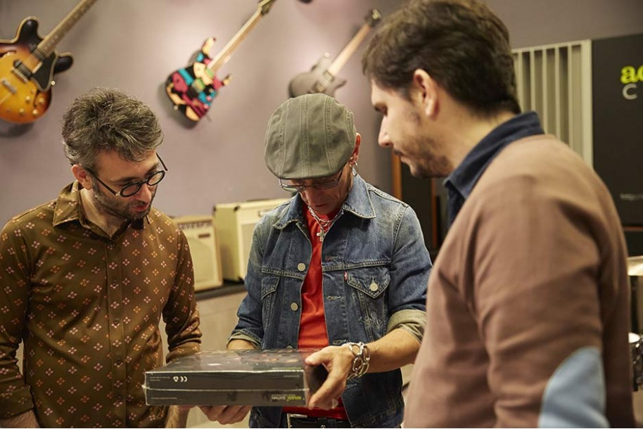 Fito (Fito y Fitipaldis) en Aclam | Aclam Guitars