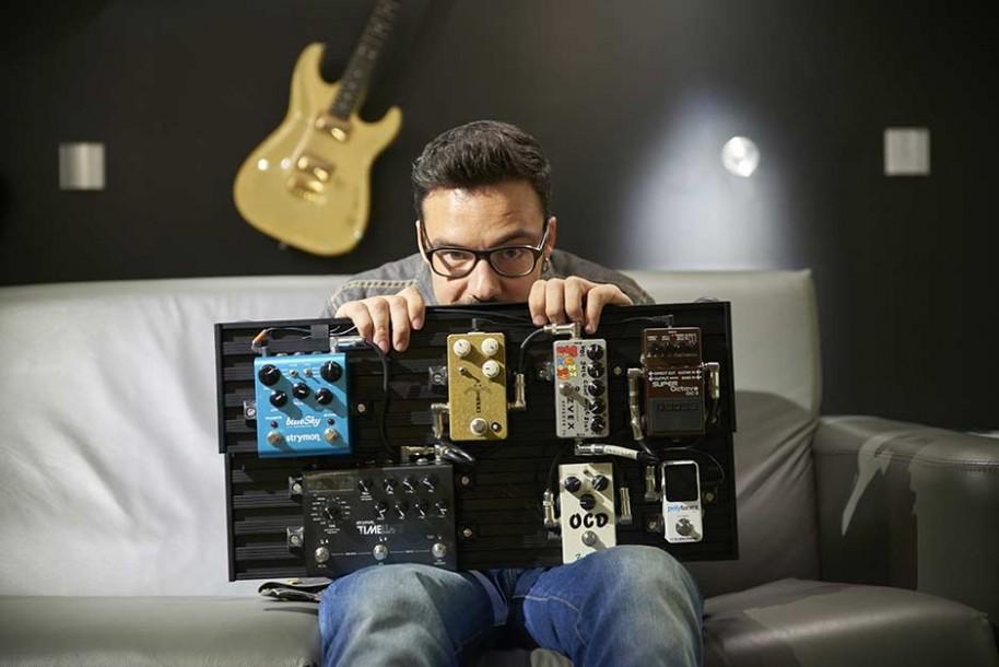 Marcos Deker presents Smart Track pedalboard | Aclam Guitars