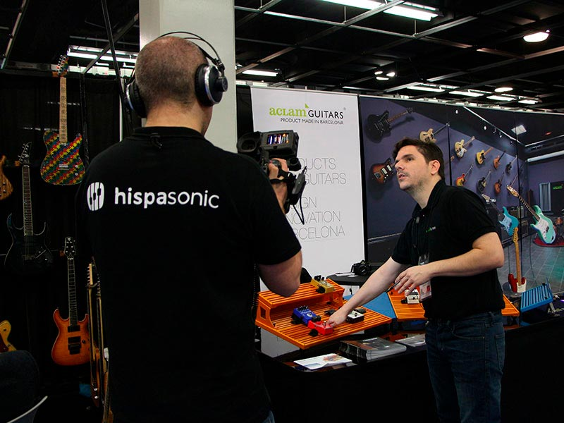 Hispasonic met with Aclam Guitars