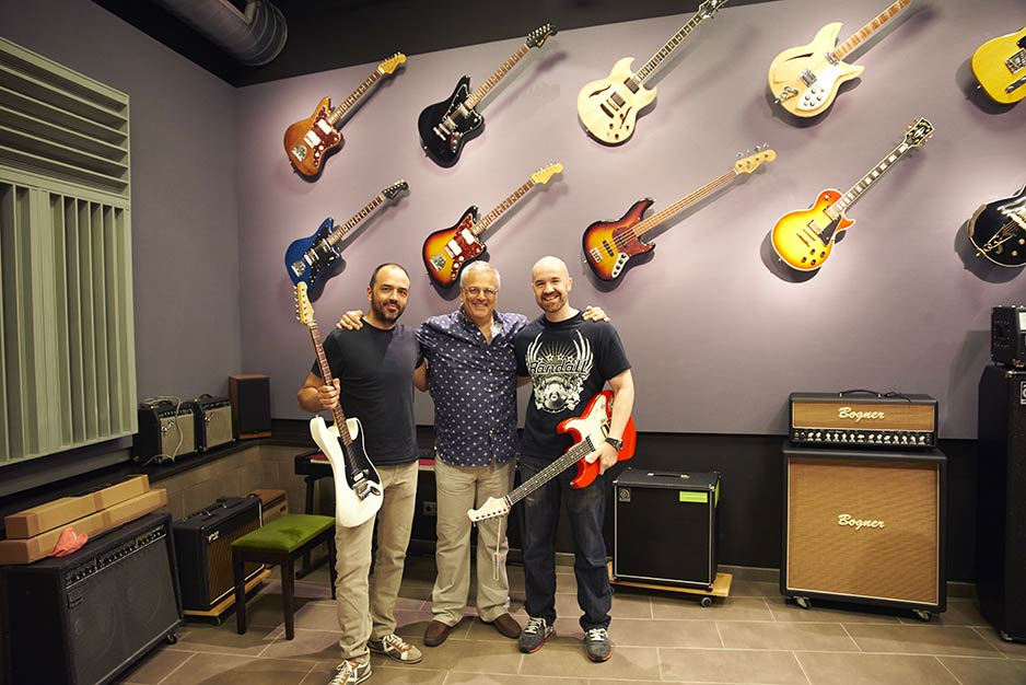 John Gold and Aclam Guitars
