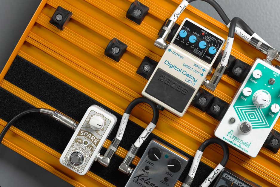 To velcro or not to velcro? That is the pedalboard's dilemma